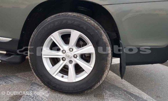 Buy Import Toyota Highlander Green Car in Import - Dubai in Enga