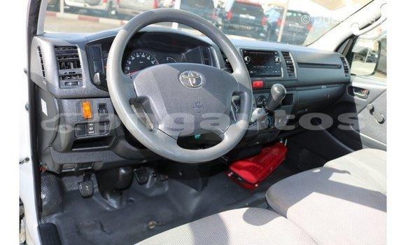 Buy Import Toyota Hiace White Car in Import - Dubai in Enga