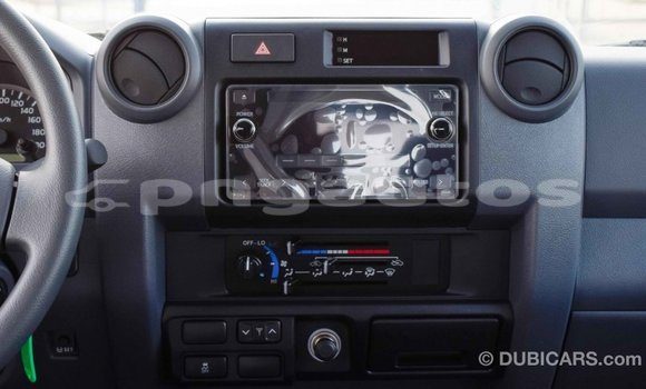 Buy Import Toyota Land Cruiser White Car in Import - Dubai in Enga
