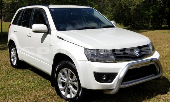 Buy Import Suzuki Grand Vitara White Car in Port Moresby in National Capital District
