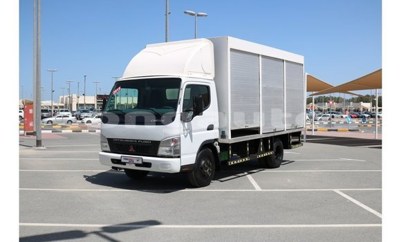 Buy Import Mitsubishi L400 White Truck in Import - Dubai in Enga