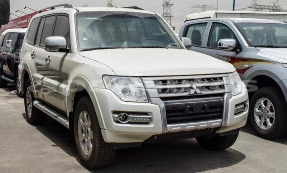 Buy Import Mitsubishi Pajero White Car in Import - Dubai in Enga