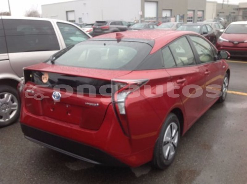 Big with watermark 5281755 04274 2017 toyota prius technologie 004
