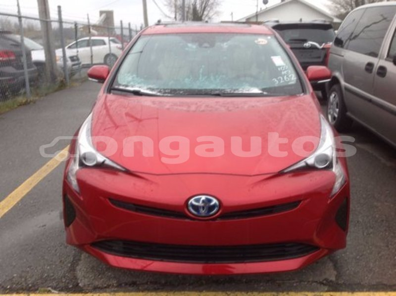 Big with watermark 5281755 01125 2017 toyota prius technologie 002