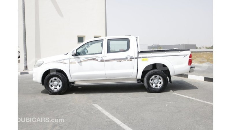 Big with watermark toyota hilux enga import dubai 3630