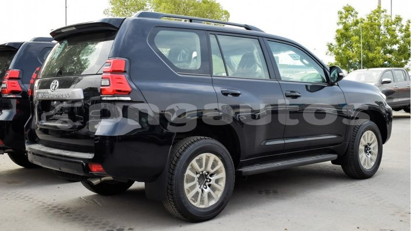 Big with watermark toyota prado enga import dubai 3632
