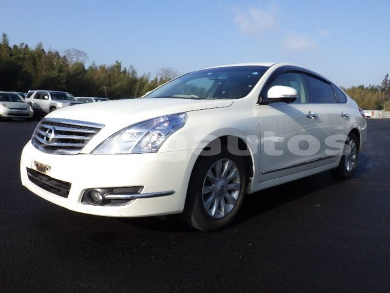 Big with watermark nissan teana national capital district port moresby 4121