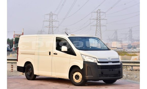 Medium with watermark toyota hiace enga import dubai 4282