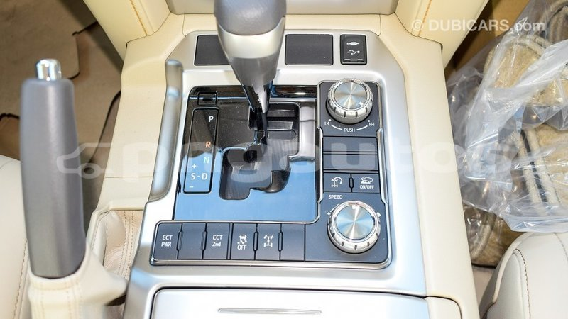 Big with watermark toyota land cruiser enga import dubai 4441