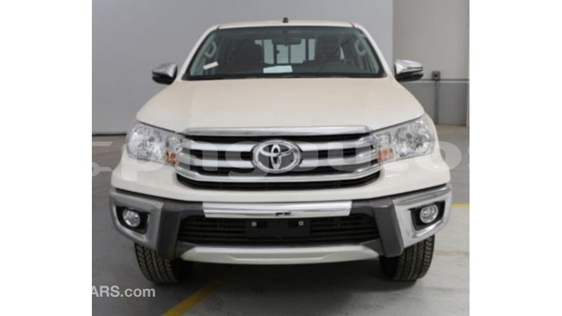 Big with watermark toyota hilux enga import dubai 4536
