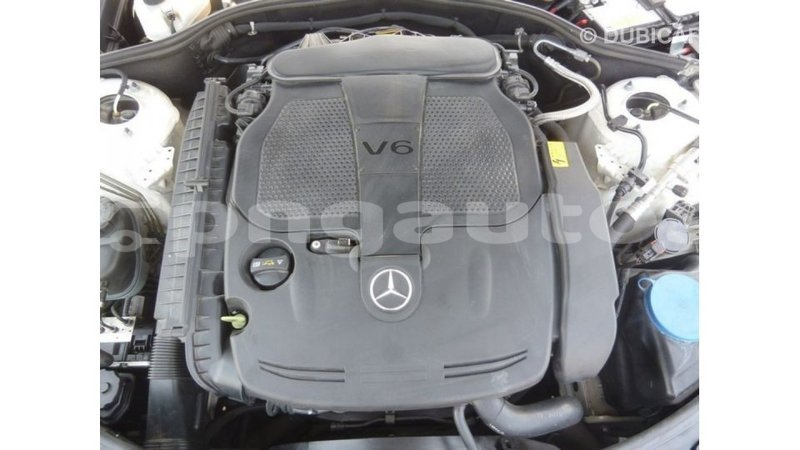 Big with watermark mercedes benz 190 enga import dubai 4702