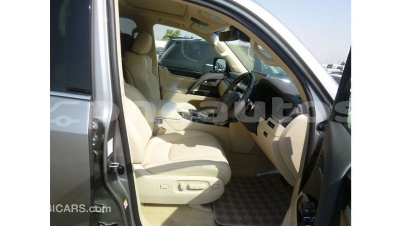 Big with watermark lexus lx enga import dubai 4724