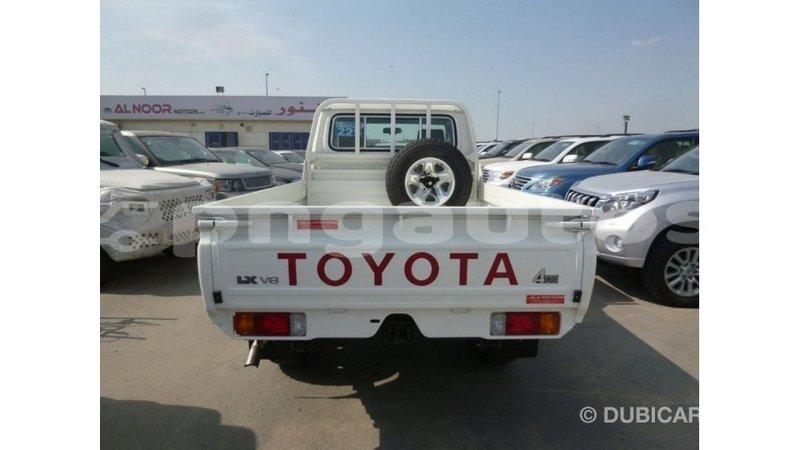 Big with watermark toyota land cruiser enga import dubai 4761