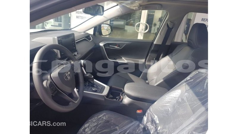 Big with watermark toyota rav4 enga import dubai 4858