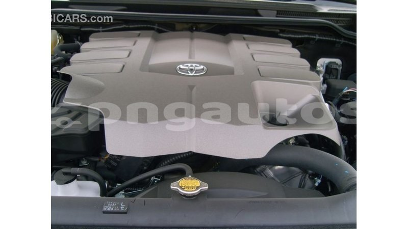 Big with watermark toyota land cruiser enga import dubai 4861