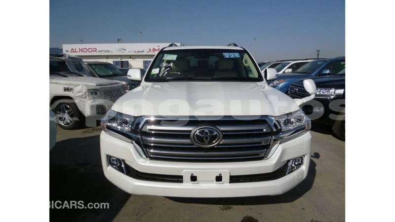 Big with watermark toyota land cruiser enga import dubai 4864