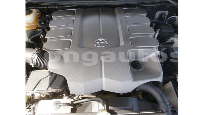 Big with watermark toyota land cruiser enga import dubai 4905