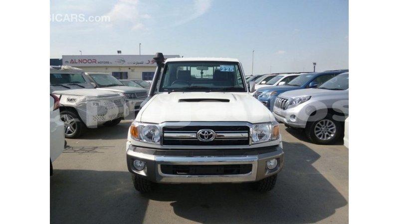 Big with watermark toyota land cruiser enga import dubai 4964
