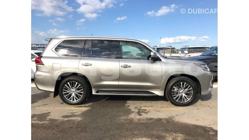 Big with watermark lexus lx enga import dubai 4987