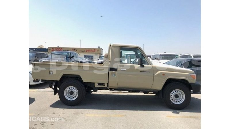 Big with watermark toyota land cruiser enga import dubai 5021