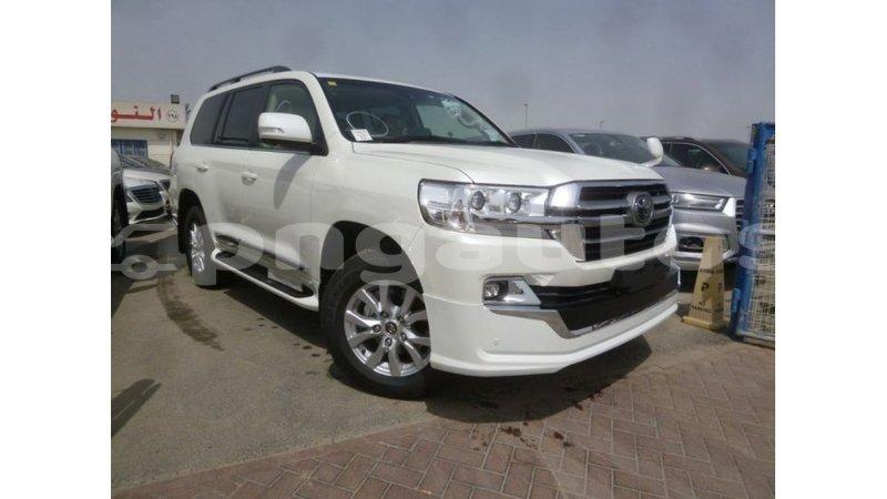 Big with watermark toyota land cruiser enga import dubai 5143