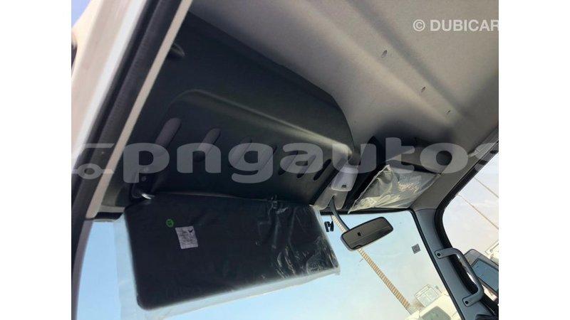 Big with watermark mitsubishi l400 enga import dubai 5203