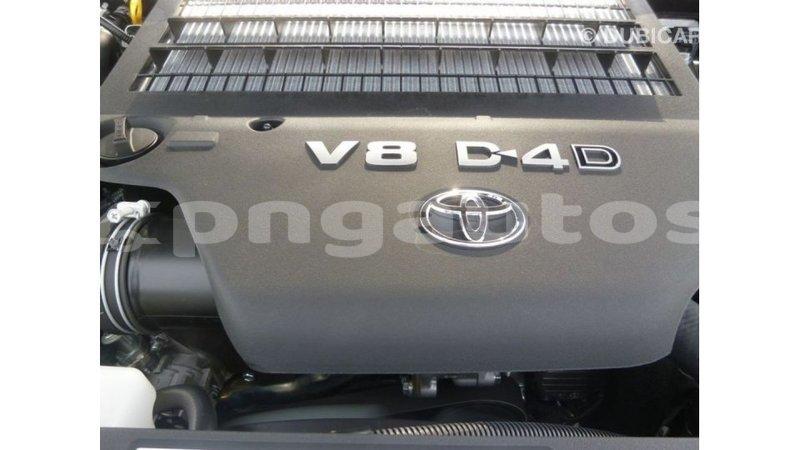 Big with watermark toyota land cruiser enga import dubai 5291