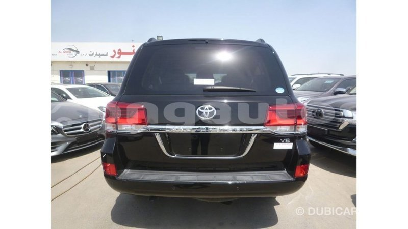 Big with watermark toyota land cruiser enga import dubai 5407