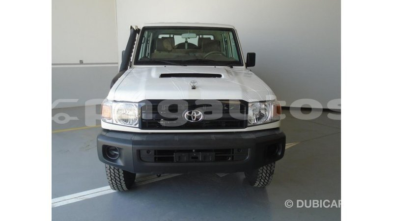 Big with watermark toyota land cruiser enga import dubai 5423