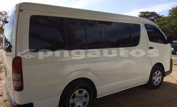 Buy Used Toyota Hiace White Car in Lae in Morobe