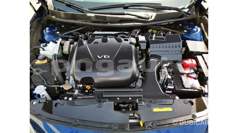 Big with watermark nissan maxima enga import dubai 5441