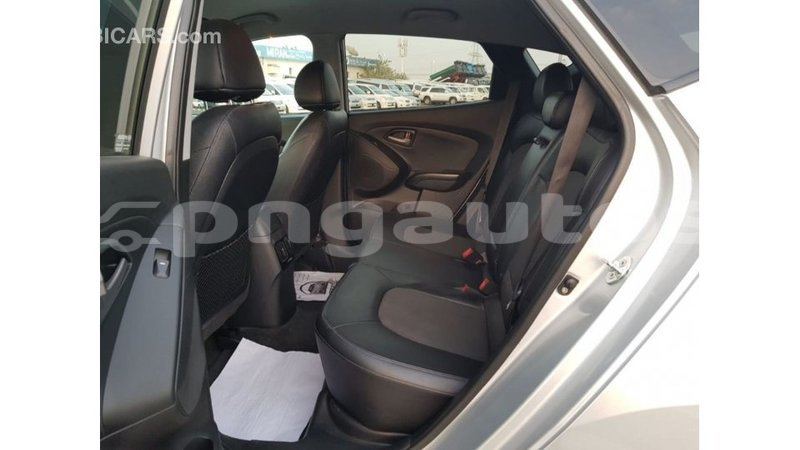 Big with watermark hyundai tucson enga import dubai 5466