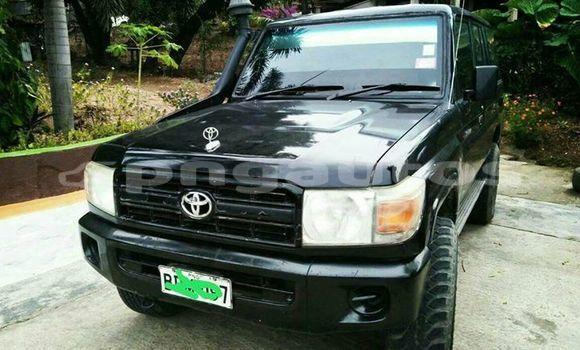 Buy Used Toyota Landcruiser Black Car in Port Moresby in National Capital District
