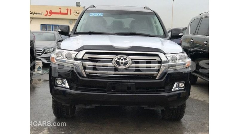 Big with watermark toyota land cruiser enga import dubai 5616