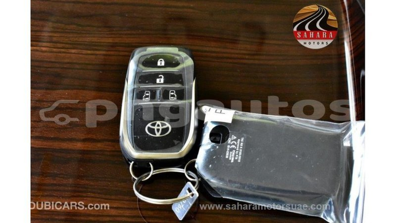 Big with watermark toyota granvia enga import dubai 5619