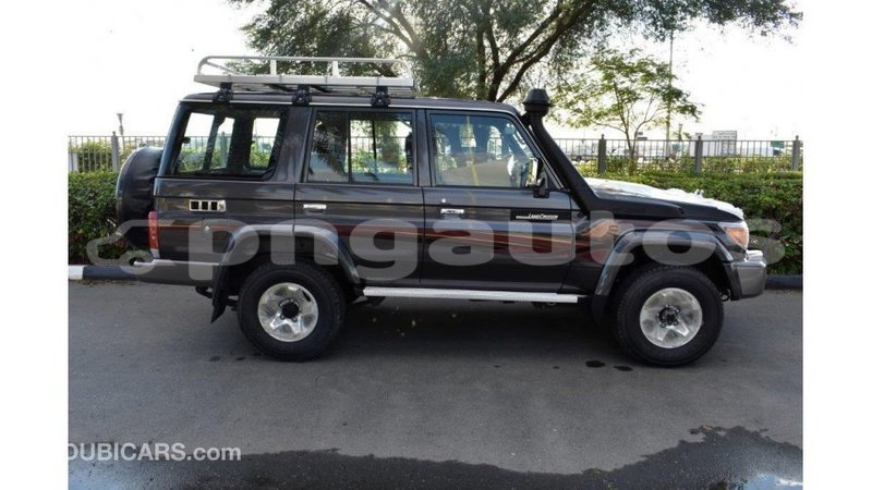 Big with watermark toyota land cruiser enga import dubai 5635