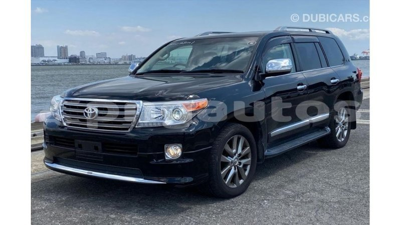 Big with watermark toyota land cruiser enga import dubai 5643
