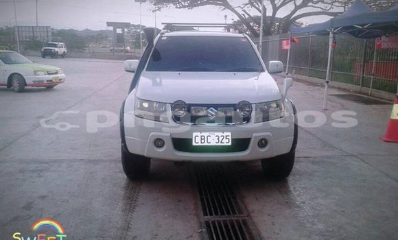 Buy Used Suzuki Vitara White Car in Port Moresby in National Capital District