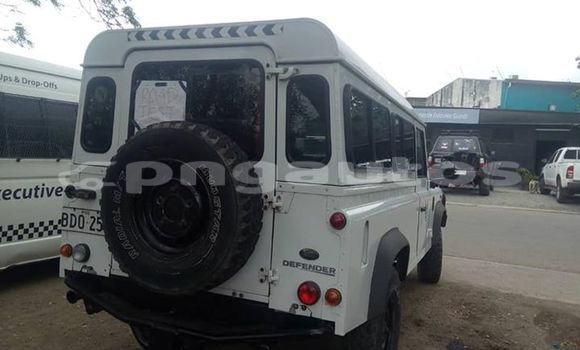 Buy Used Land Rover Defender Silver Car in Port Moresby in National Capital District