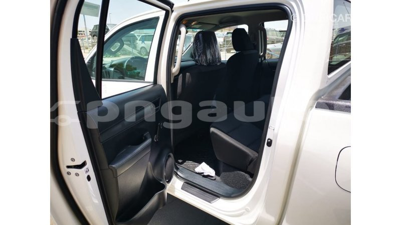 Big with watermark toyota hilux enga import dubai 5767