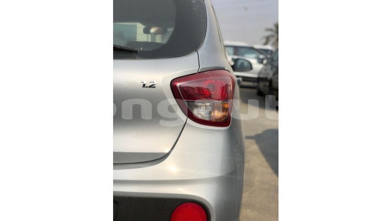 Big with watermark hyundai i10 enga import dubai 5905
