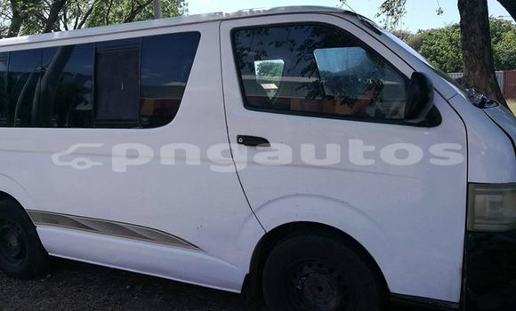 Buy Used Toyota Hiace White Car in Port Moresby in National Capital District