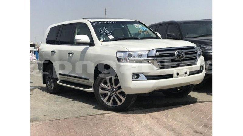 Big with watermark toyota land cruiser enga import dubai 5972