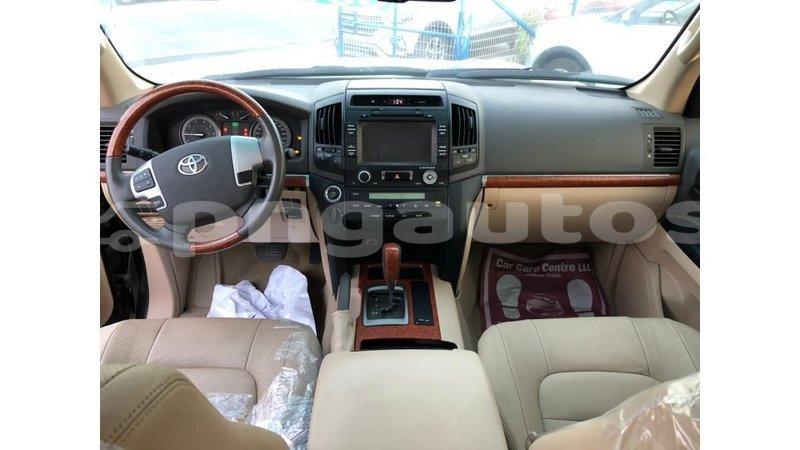 Big with watermark toyota land cruiser enga import dubai 5993