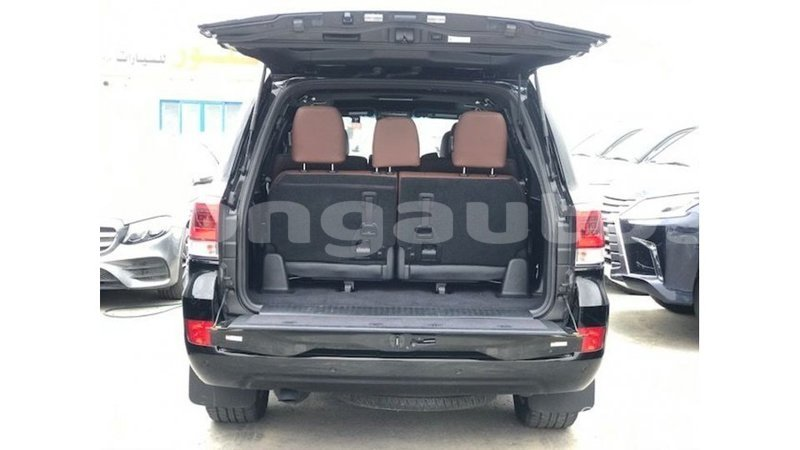 Big with watermark toyota land cruiser enga import dubai 6022