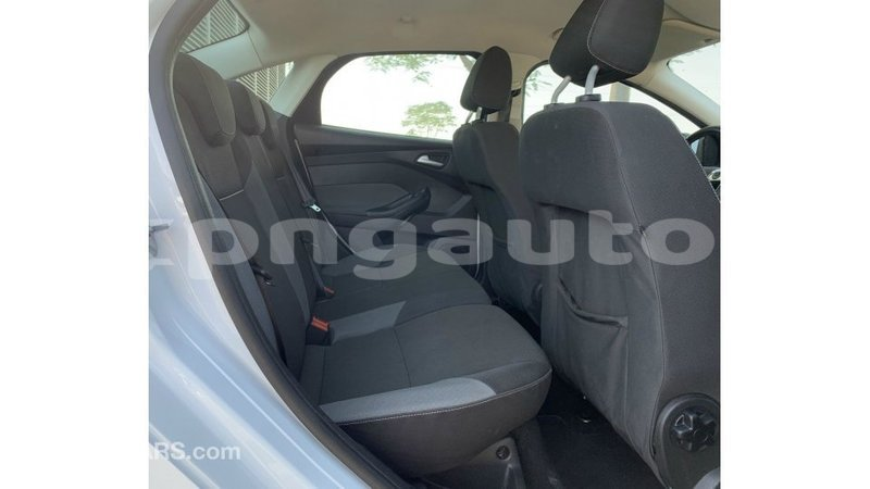 Big with watermark ford focus enga import dubai 6072