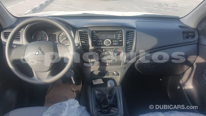 Big with watermark mitsubishi l200 enga import dubai 6077
