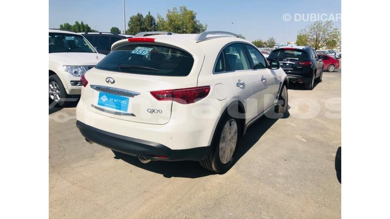 Big with watermark infiniti ex enga import dubai 6078