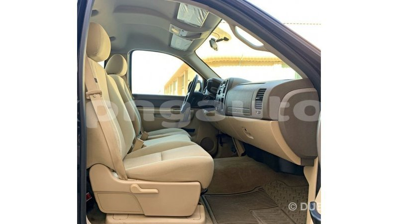 Big with watermark chevrolet silverado enga import dubai 6092