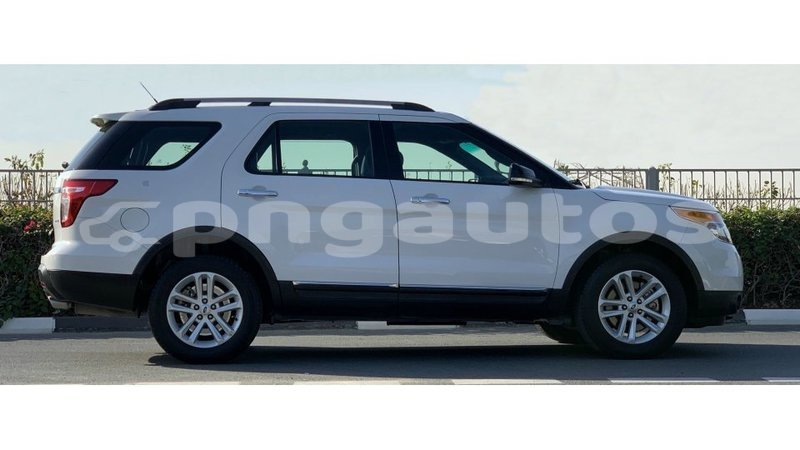 Big with watermark ford explorer enga import dubai 6113
